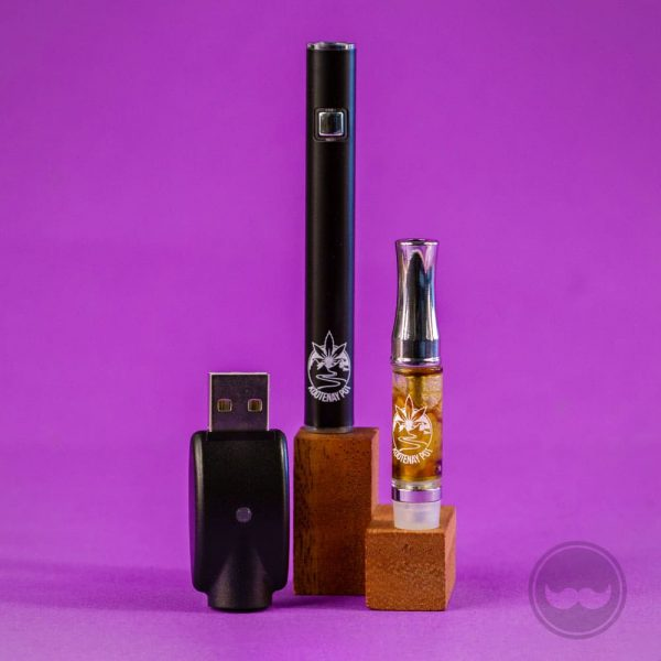 Cannabis Vape Pen: usb charger, battery, tank oil - Vietnam Cannabis Medical Buds Shop - vnbuds.com